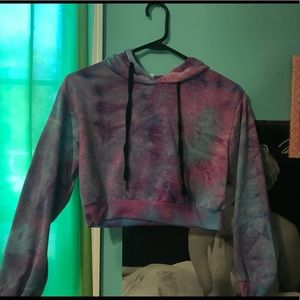 Sweaters - A cropped tie-dyed hoodie
